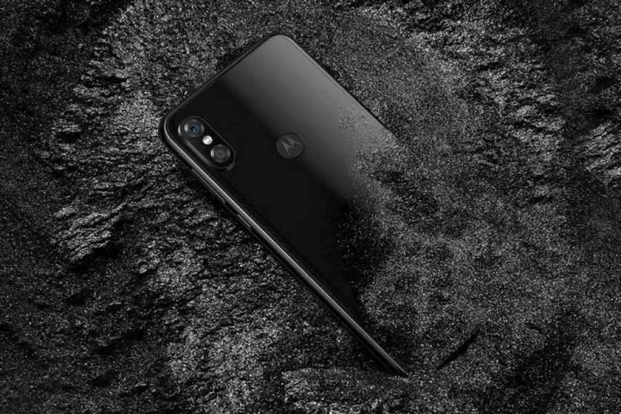 Motorola P30 Launch, Like Absolute iPhone Price Review Feature3