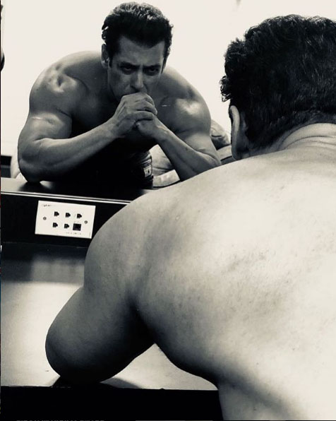 Salman Khan shares on Instagram hum fit to india fit video (1)