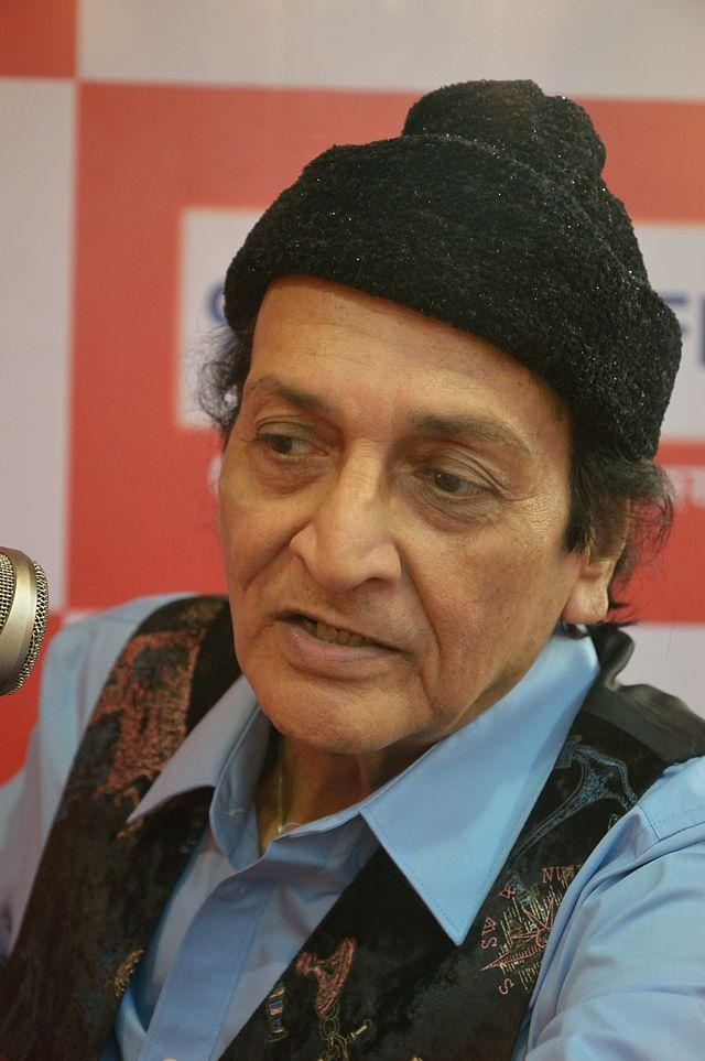 veteran actor Biswajit Chatterjee biography in hindi