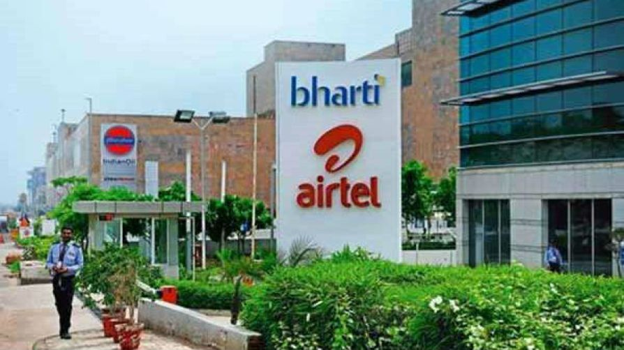 Airtel company announcement - Gift of Instant 2000 rupees for new 4g smartphone