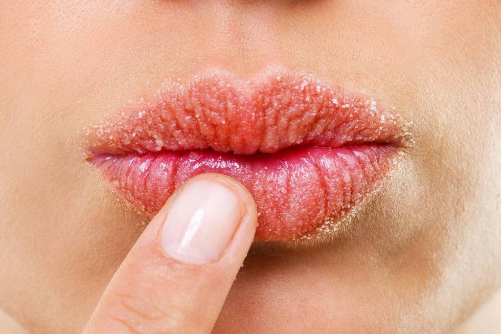 Take 3 Easy tips to keep the lips beautiful and soft
