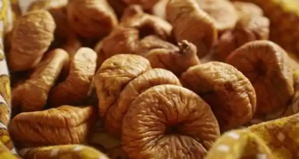 If you have problems with gas, constipation, acidity, ulcers, eat figs, know method