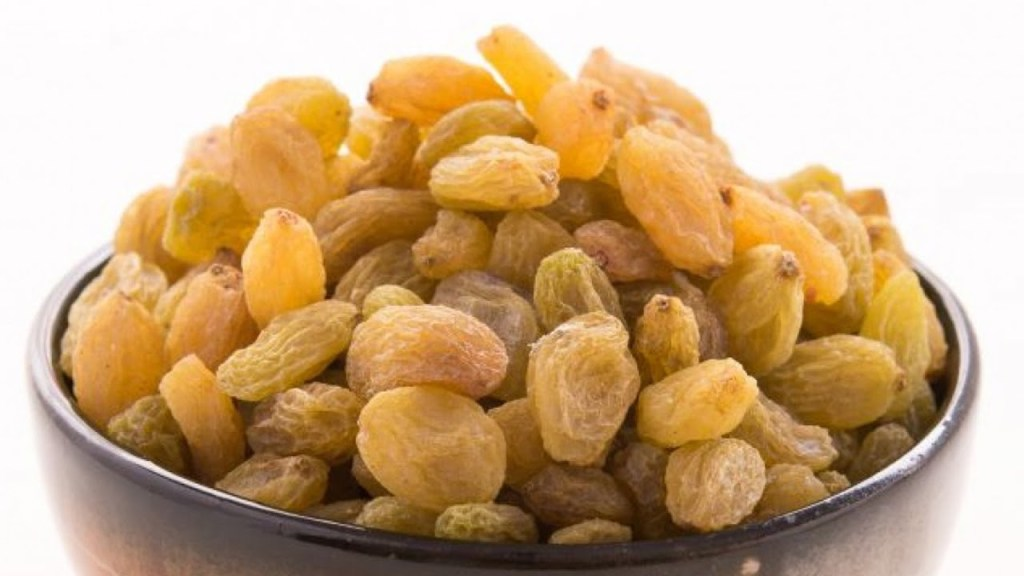 Every day there are 4 benefits of eating raisins. In these cases, only few people know, know