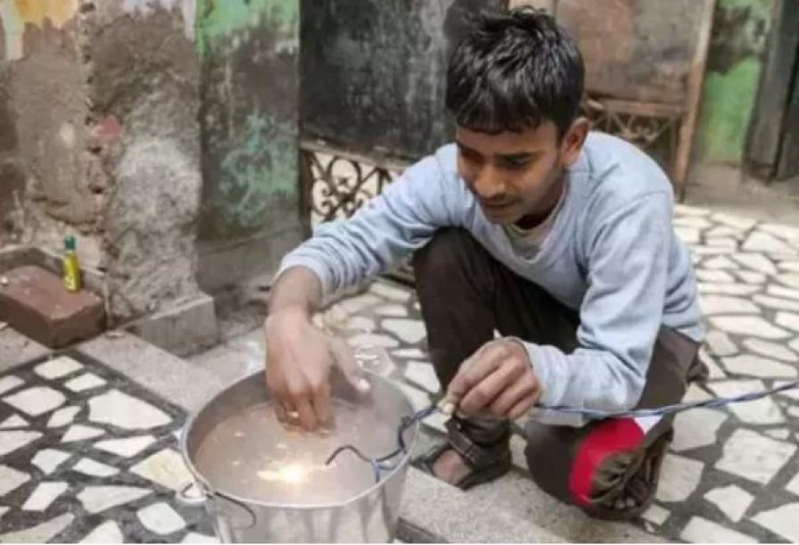 This boy from Haryana has no effect of electricity, plays with electricity of 11 thousand vaults