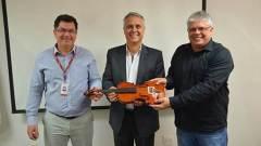 Marcos Tadeu (diretor-presidente do Indec), Márcio Pontes (coordenador da Sabra) e Wagner Paulo (coordenador de Comunicação da SE/MG).