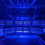 Sauna finlandais (sauna sec) avec luminothérapie qui imite les aurores boréales du nord canadien. Geos Spa de l'hôtel Sacacomie.