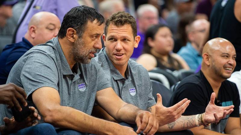 Kings open the season against the Suns