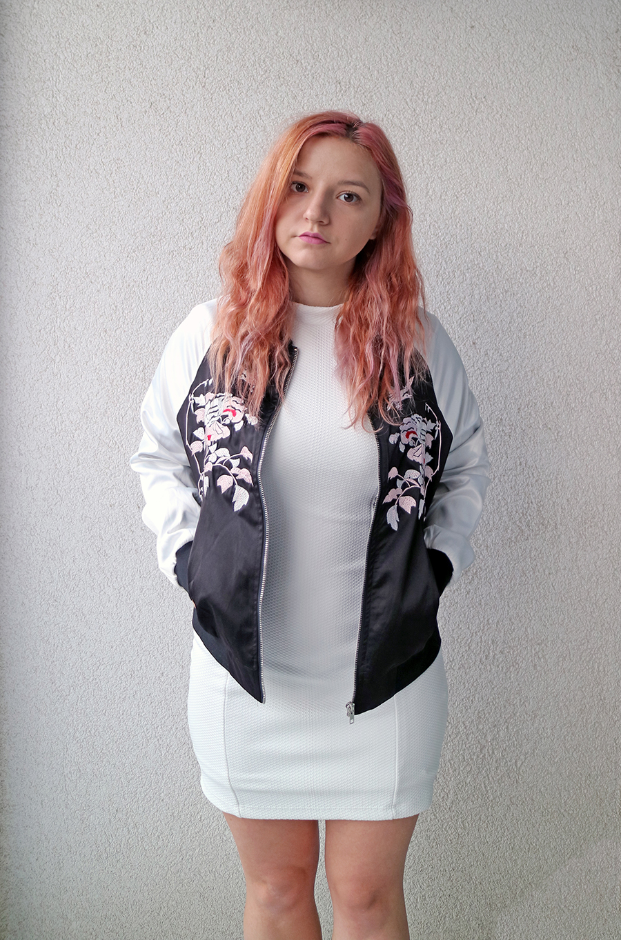 two ways to wear a bomber jacket for fall_6