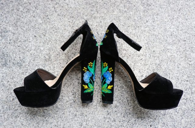 irresistible summer shoes embroidered sandals_