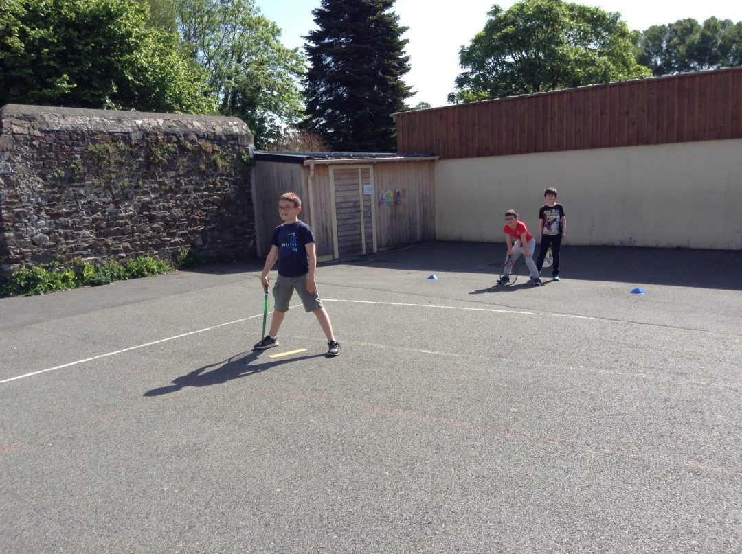 Initiation Tennis en CE1 CE2