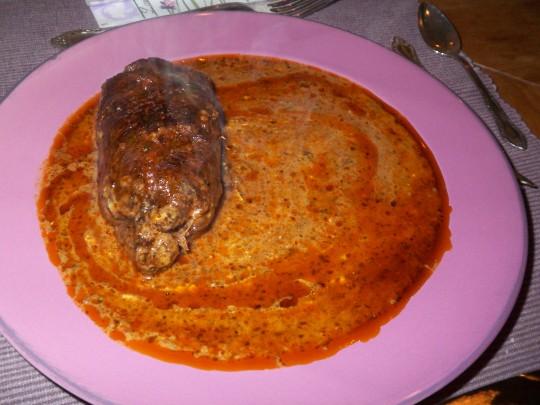 Italienische Roulade mit Parmaschinken: keine Fünf-Sterne-Deko, aber viel Sauce!