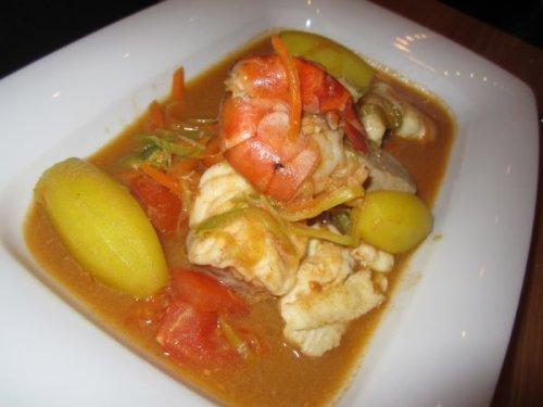 Geschmackige Bouillabaisse mit reichlich Fischvielfalt