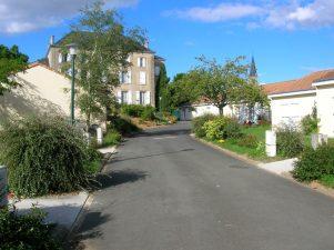 Village retraite à Cherveux et appartements relais à Niort | EHPAD Niort et Cherveux | Association du Sacré Coeur