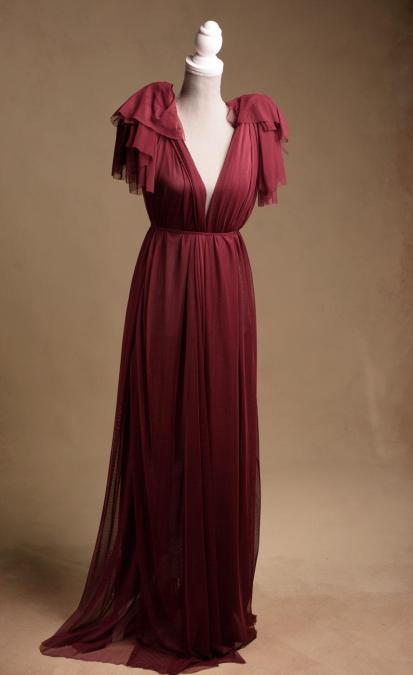 fotografia-ciążowa-długa-czerwona-suknia