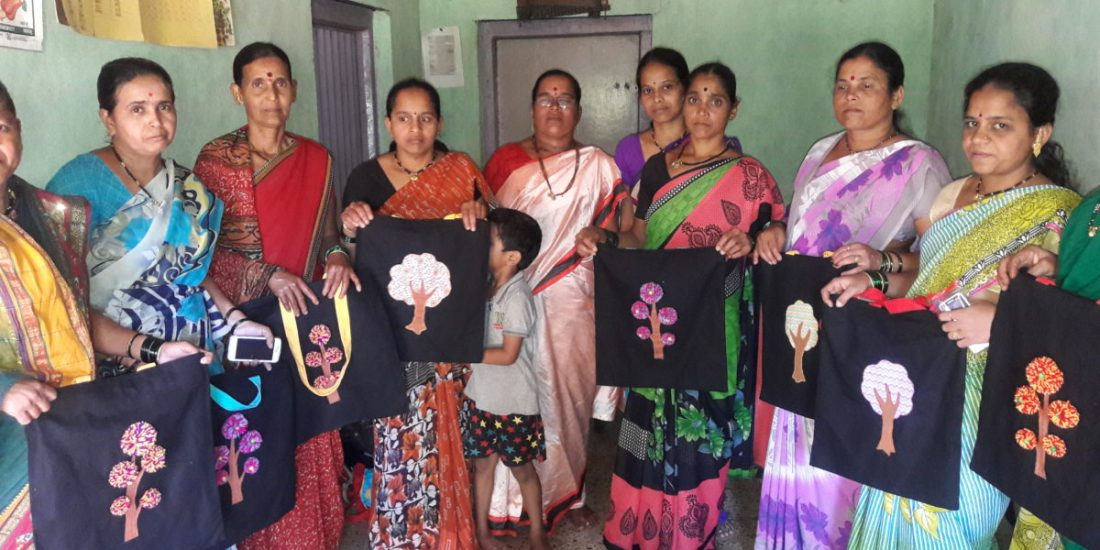 Women with tree shaped bags - All for a good cause