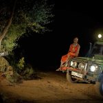 111 / Kenia: AFRIKA, KENIA, MASAI MARA (AFRICA, KENYA), 07.03.2011: Mara Timbo Camp in Kenias Maasai Mara. Masai Mann Guideon im Safari Jeep.- Robert Kah / imagetrust - Stichworte: Afrika, Kenia, Kenya, Masai, Mara, Maasai, Reise, Urlaub, Tourismus, Travel, Timbo, Camp, sieben, luxurioesen, luxurioese, luxurioeses, luxurioes, Luxus, Gaestezelten, Gaestezelt, Uebernachtung, Komfort, Unterkunft, Abenteuer, Wildnis, Touristen, exklusiven, exklusive, exklusiv, exklusives, Safari-Camp, Safari, Busch, Safarizelte, Safarizelt, Gaesteunterkuenfte, Gaesteunterkunft, Klaus, Wilken, Gruender, Design, Ausstattung, ausgestattet, Wildlife, Gaeste, Flussufer, Gamedrive, Familie, Menschen, Personen, Model Release: No, Property Release: No, Mann, Guideon, Manager, Touristenmanager, Gaestebuch, Portraet