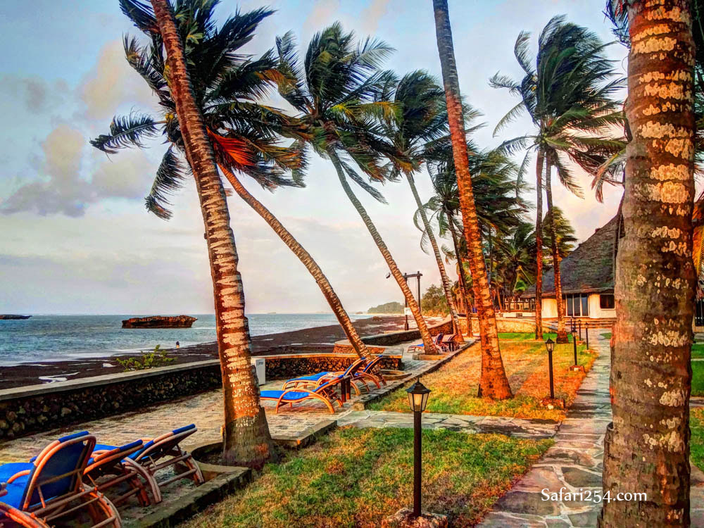 Watamu beach_hemingways