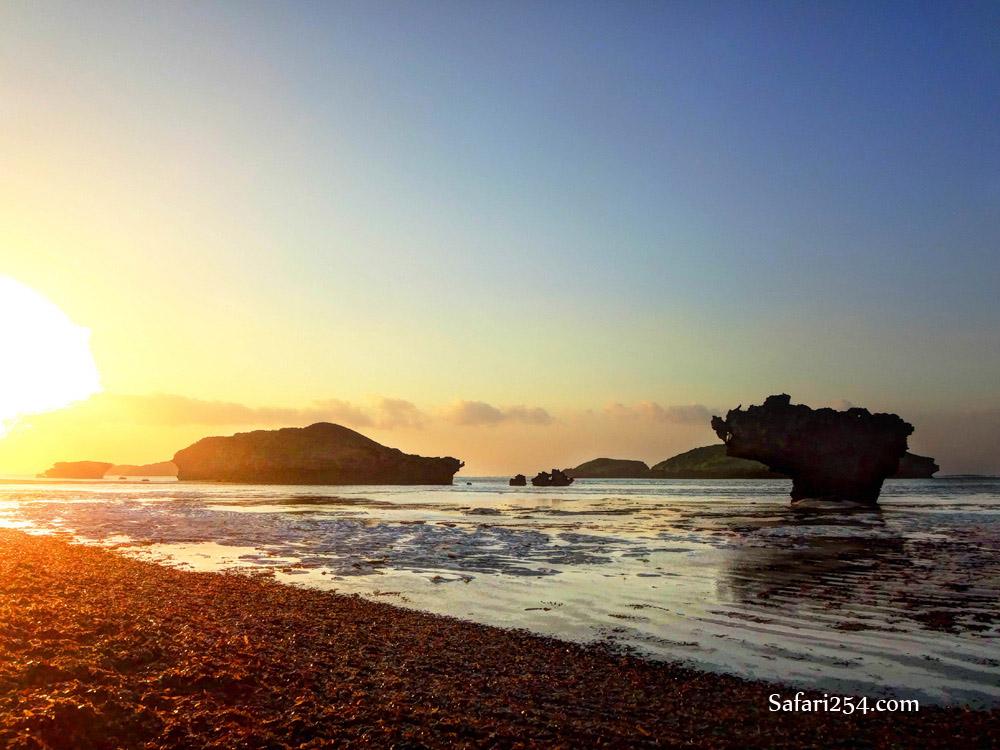 Watamu beach_rocky island sunrise