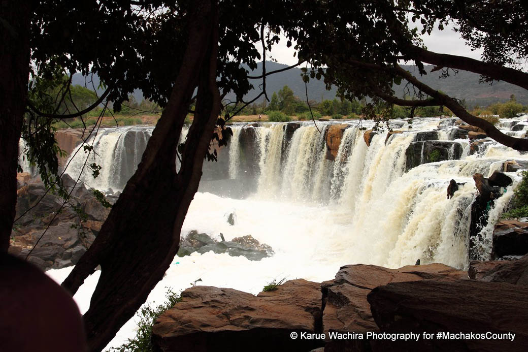 A view of the Fourteen Falls from the left bank of the river