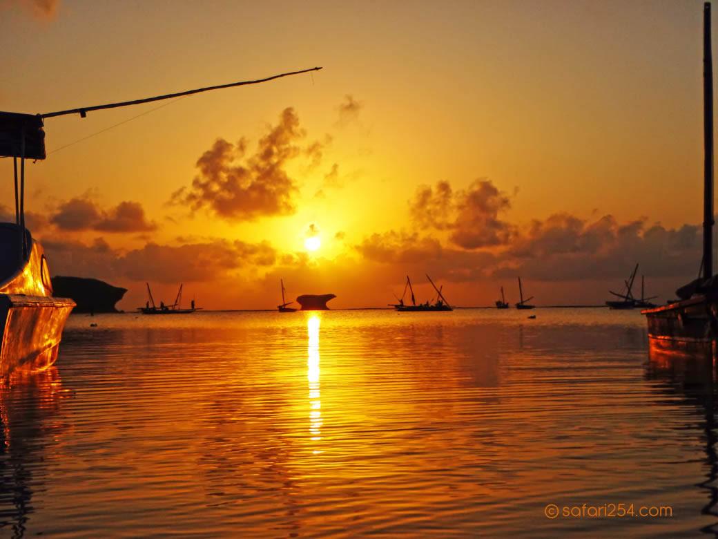 Watamu Beach_touch of gold9