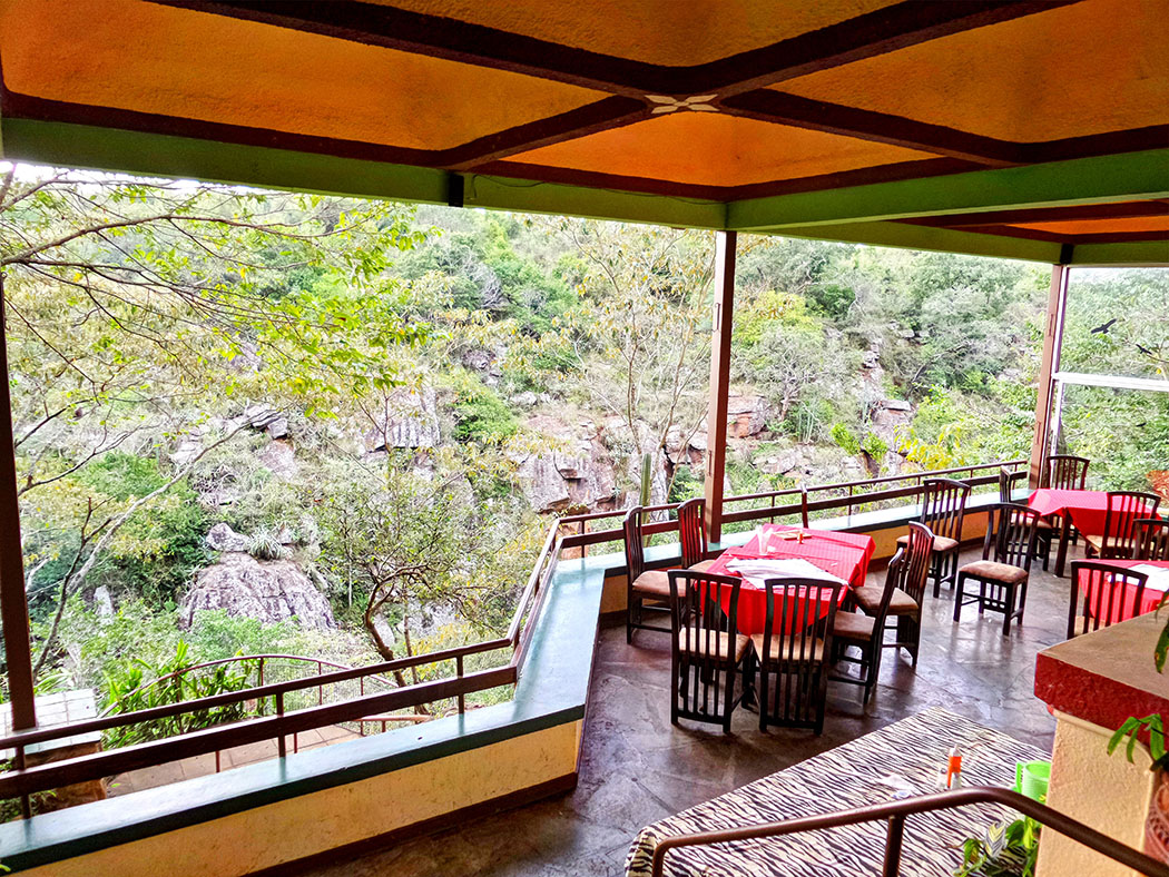Masai Lodge_restaurant1