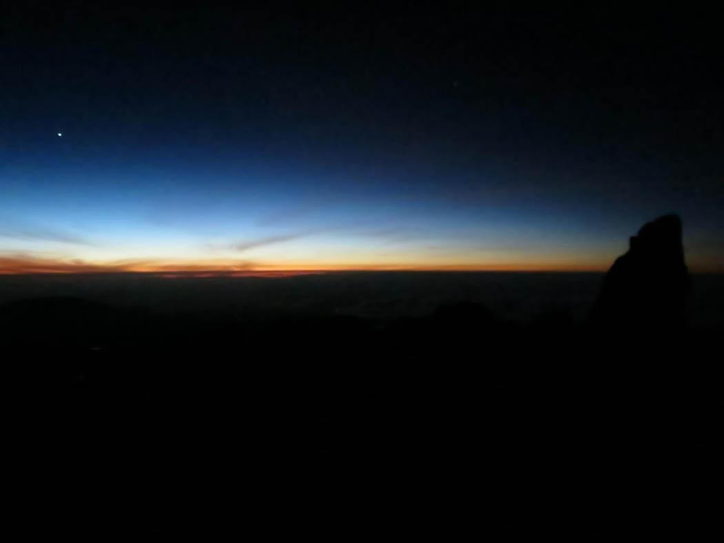 Mount Kenya_ascent dawn