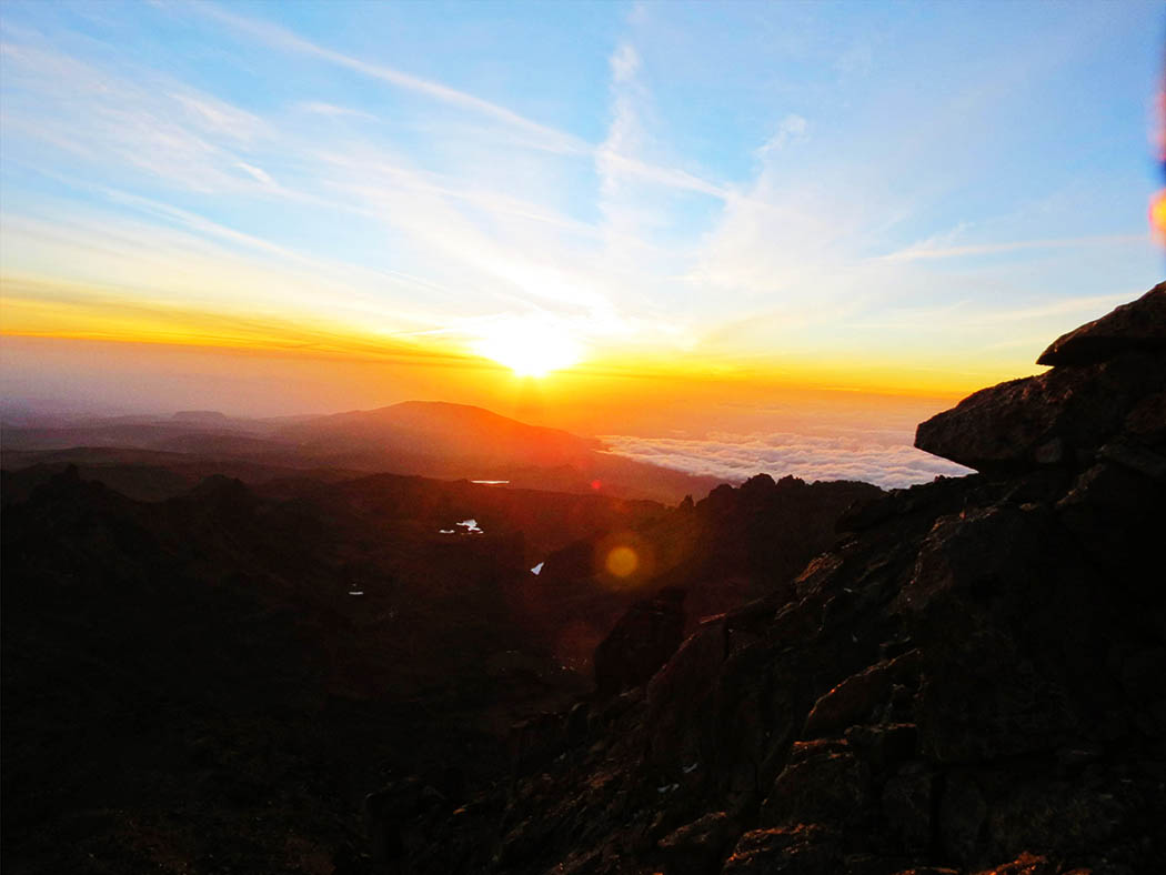 Mount Kenya_sunrise at peak 2