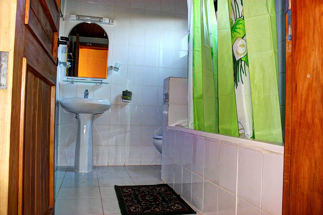 Kerio View Hotel_bathroom