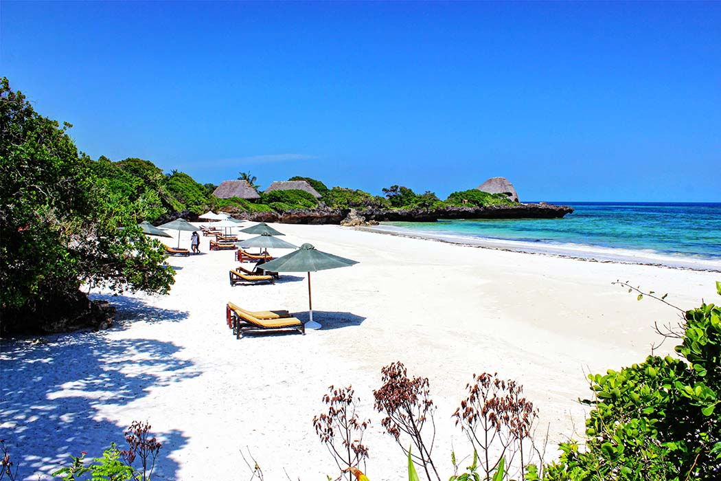 The Sands at Chale Island_beach at daytime