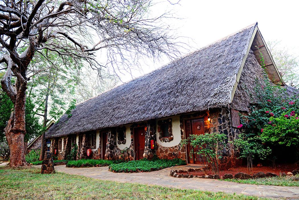 Kilaguni Serena safari Lodge_room1 (2)
