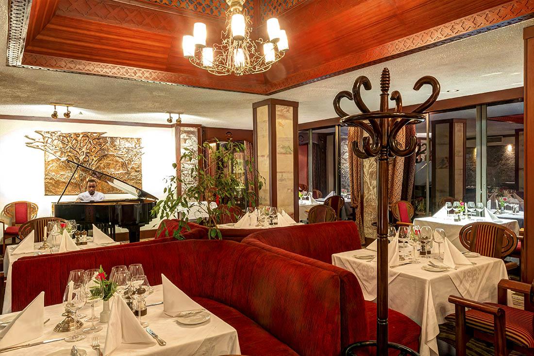 Nairobi Serena Hotel_Mandhari restaurant 3