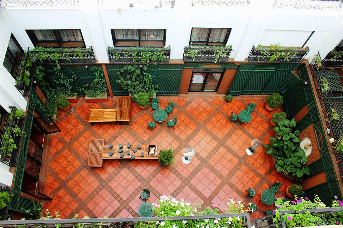 Sarova Stanley_Courtyard1