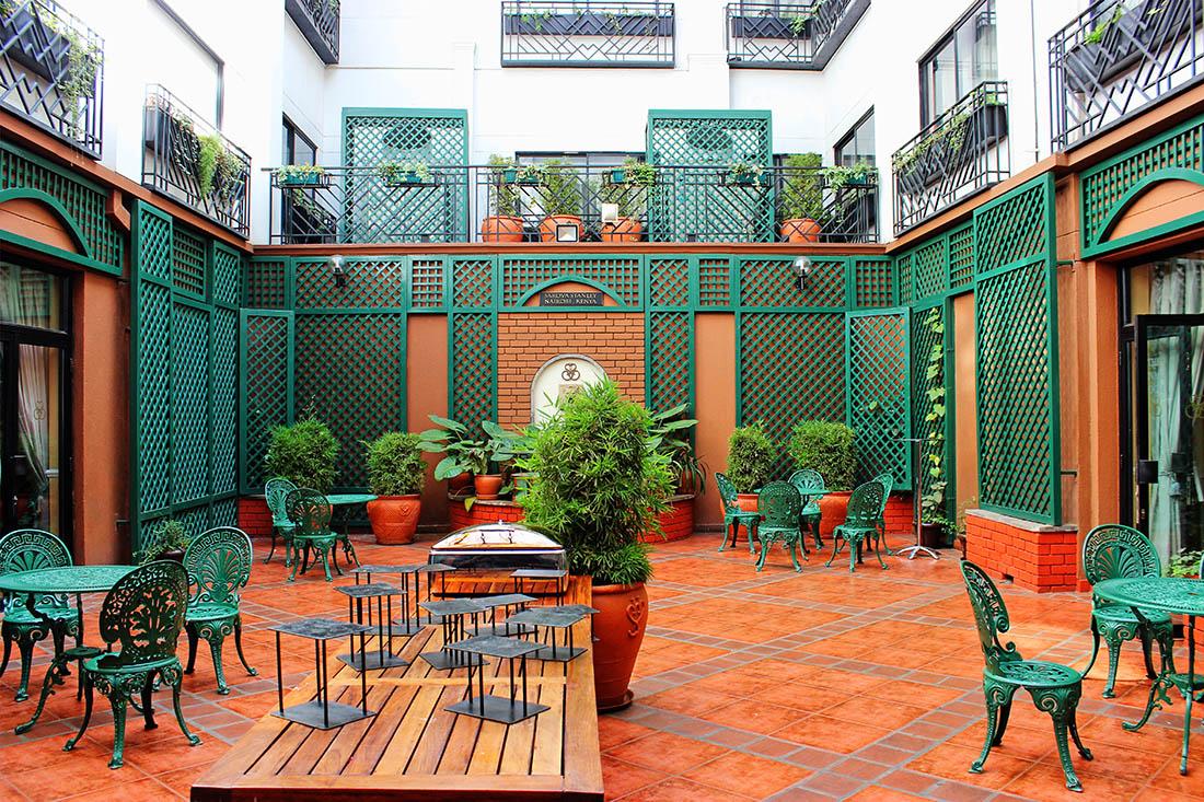 Sarova Stanley_Courtyard2