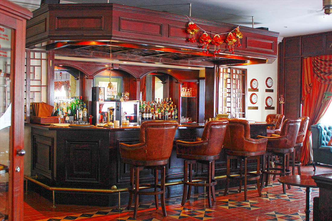 Sarova Stanley_The exchange bar