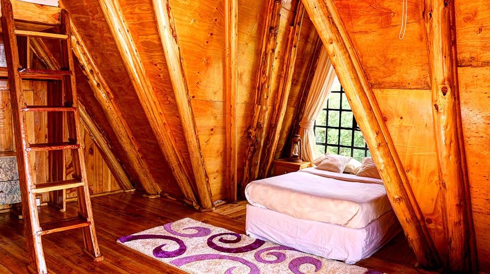 Samawati Conservancy_Deluxe cabin bedroom (2)