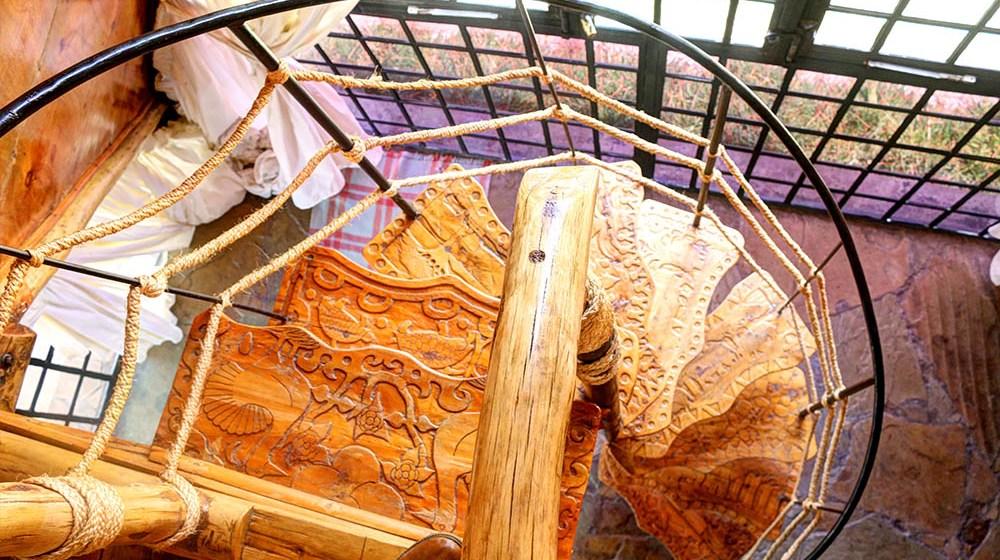 Samawati Conservancy_Standard Cabin Staircase