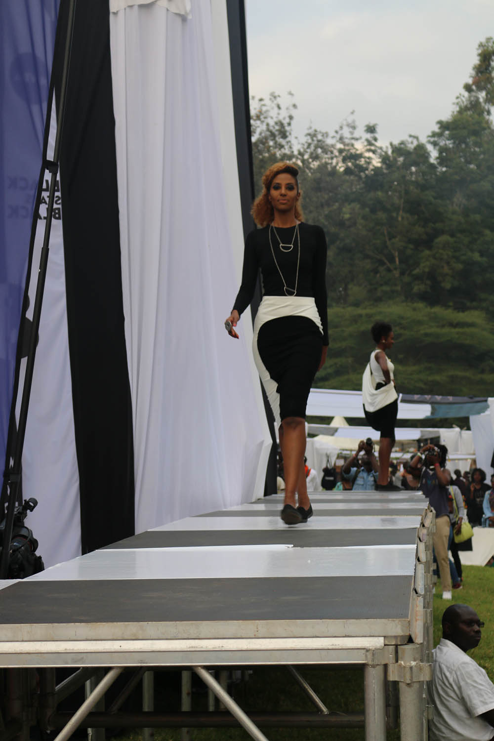 Blankets and Wine July 2016_Fashion show