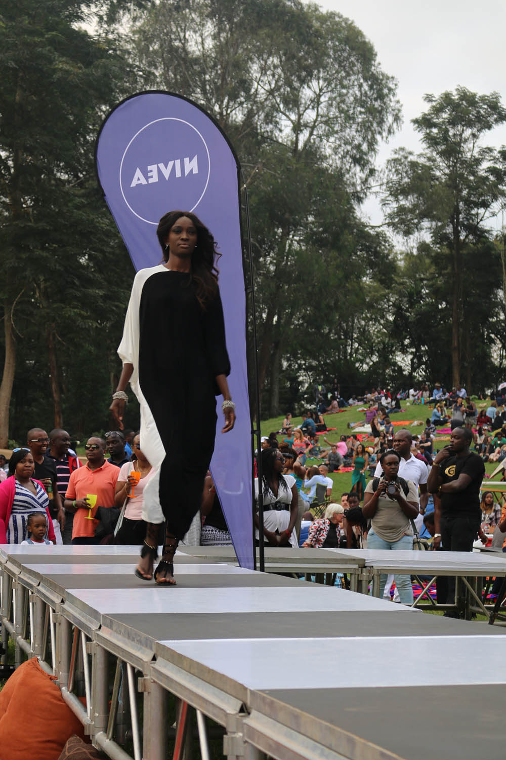 Blankets and Wine July 2016_Fashion show1