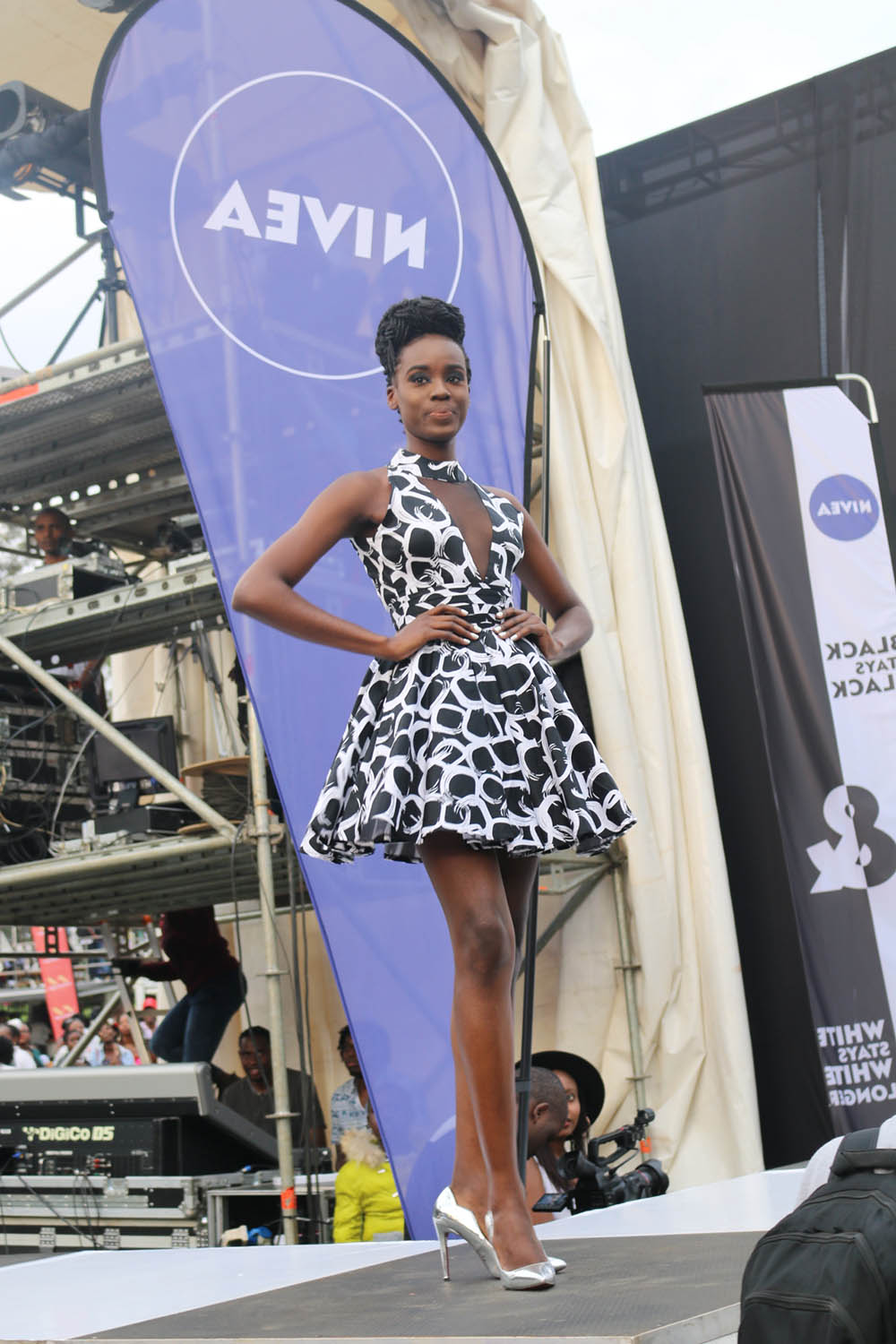 Blankets and Wine July 2016_Fashion show2