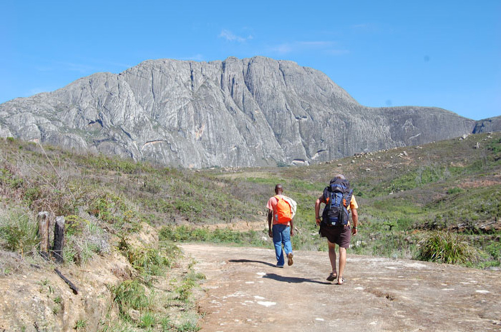 Mount Mulanje_walking towards