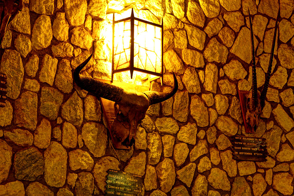 sarova-salt-lick-game-lodge_light-fixture