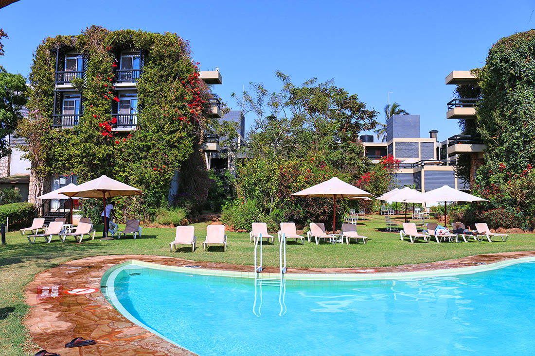 sarova-taita-hills-game-lodge_pool1