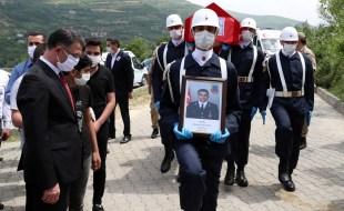 Vali Dr. Ozan Balcı, Uzman Çavuş Mustafa Albayrak'ın Cenaze Törenine Katıldı
