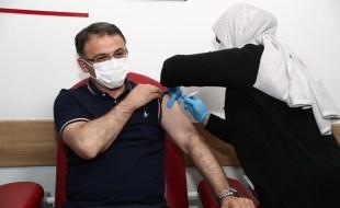 Vali Dr. Ozan Balcı, Covid-19 Aşısı Yaptırdı