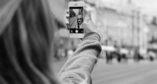 Αυξήθηκαν τα περιστατικά ατυχημάτων λόγω Selfies . Πόσο επικίνδυνη είναι η τάση των Selfies ;