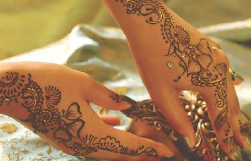 desain hena tangan cantik