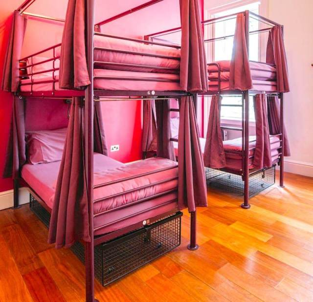 4 bed private