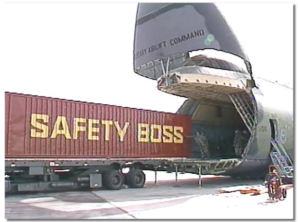 loading seacan