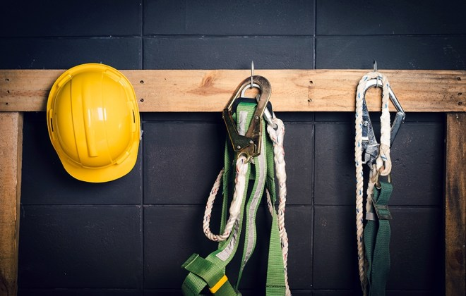 Fall protection gear with hardhat