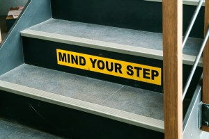 6 tips to avoid slips trips and falls at work